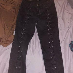 Front criss cross Jeans